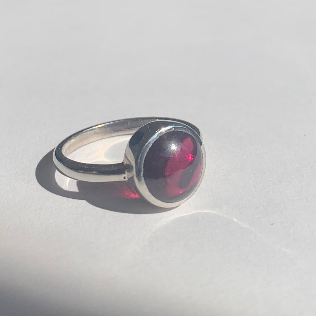 Round Garnet Cabochon Silver Ring - www.sparklingjewellery.com