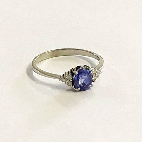 White gold Sapphire Ring - www.sparklingjewellery.com
