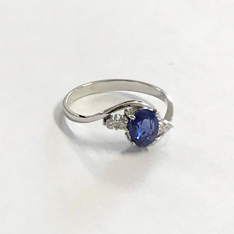 18ct White Gold Sapphire and Diamond Ring - www.sparklingjewellery.com