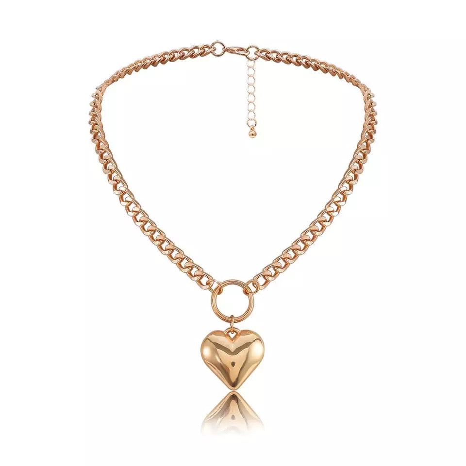 Chunky Heart Short Necklace - www.sparklingjewellery.com