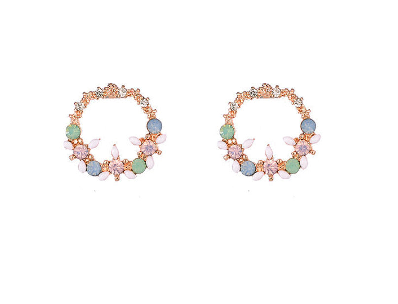 Wreath Earrings Pearl & Crystal - www.sparklingjewellery.com
