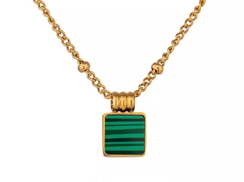 Gold and Green Agate Necklace - www.sparklingjewellery.com