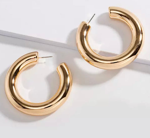 Chunky Large Gold Hoop Earrings - www.sparklingjewellery.com