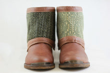 Brown Reversible Add-on, Dark Green harringbone - Lacy green with beige backing