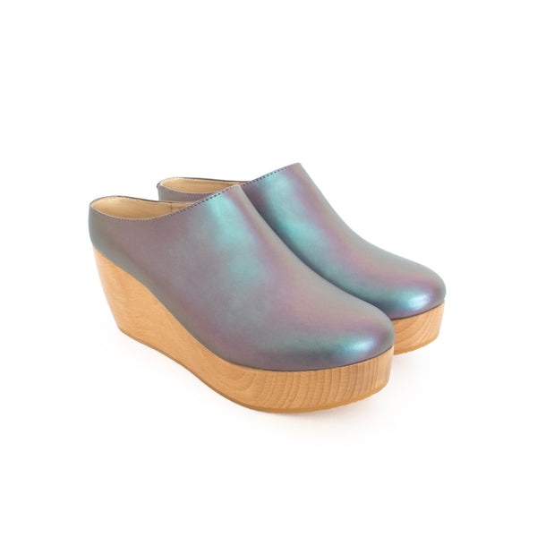 Clog matte iridescent vegan leather with natural wood platform.