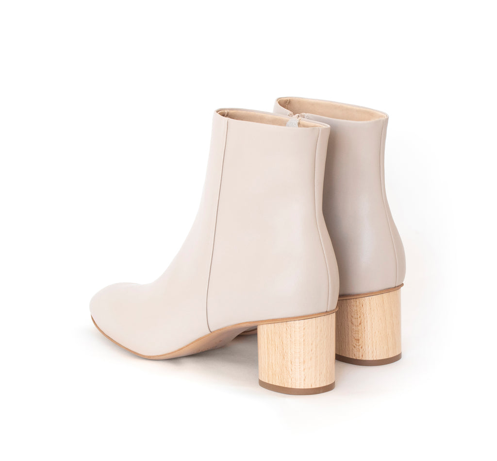 Ankle Boot, beige eco vegan leather, inside zipper, mid-heel in natural wood.
