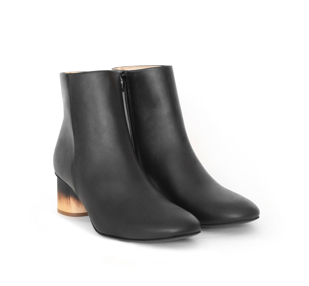 Ankle Boot in black eco vegan leather, inside zipper, mid-heel in shou sugi ban burned wood.