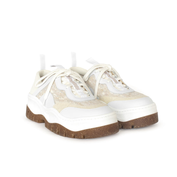 Rice Rave Sneaker in White, combination of pinatex, fennel and eco-friendly faux-nappa upper. Ethically made in Portugal. Vegan and cruelty free fashion. Sustainable sneakers, autumn winter by Sydney Brown.