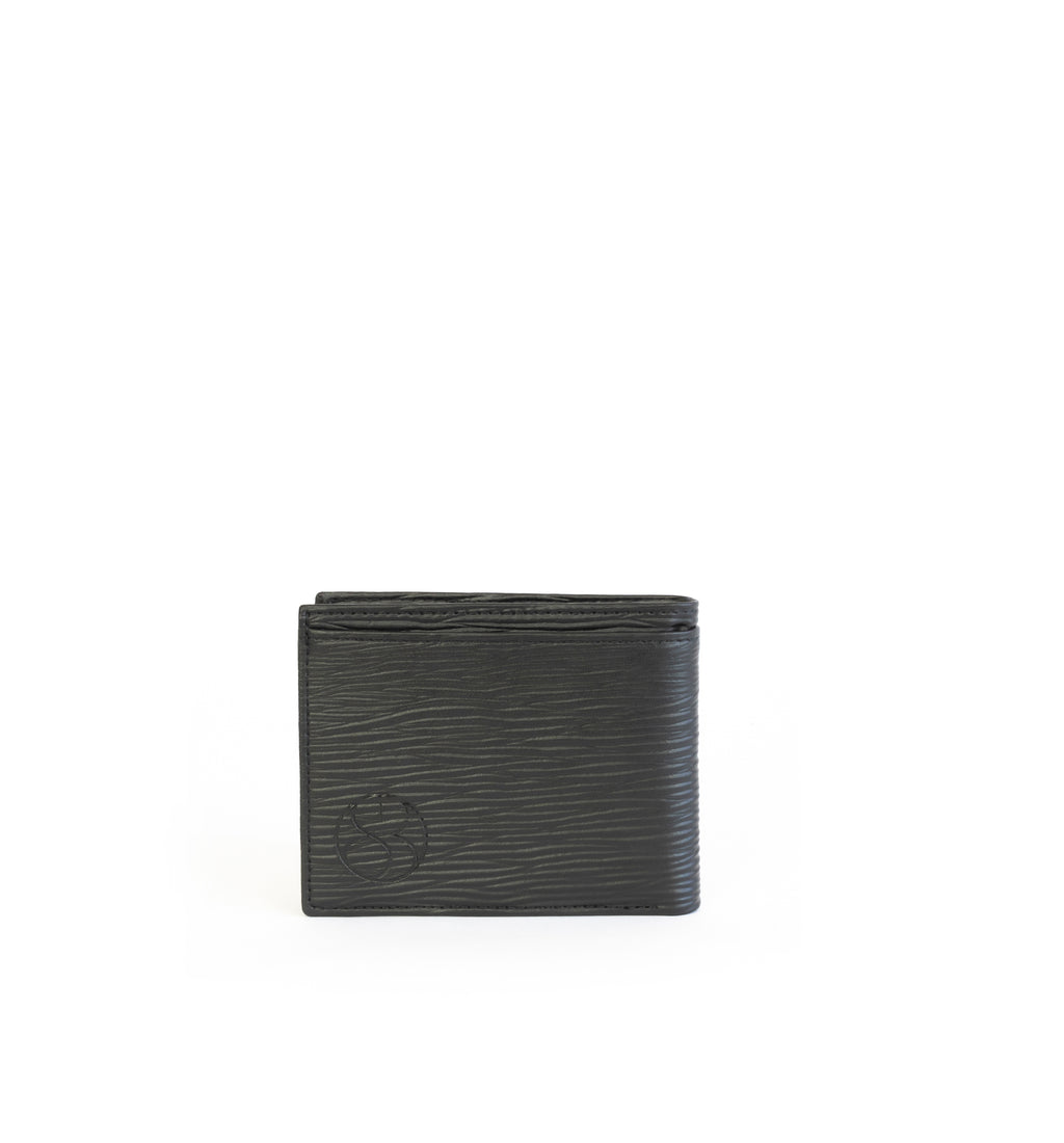 Unisex bifold wallet, practical and timeless. Black Emboss faux-leather. Back.