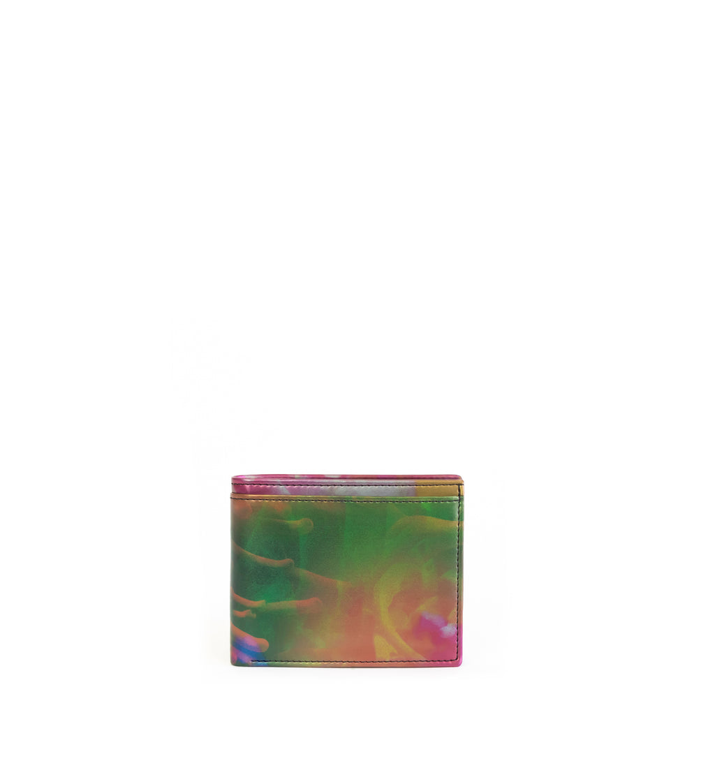 Unisex bifold wallet, practical and timeless. Iridescent print faux-leather. Front