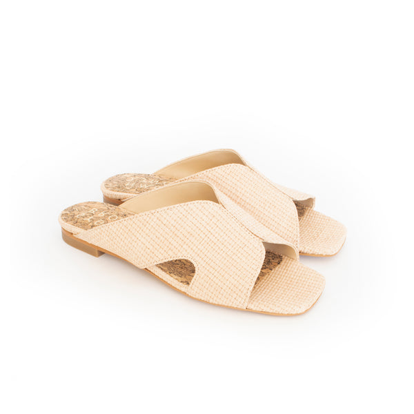 Circle Slides in natural raffia and breathable lining. Luxury vegan flats. Sydney Brown Spring Summer 2019. Sustainable, eco-friendly SS19 fashion