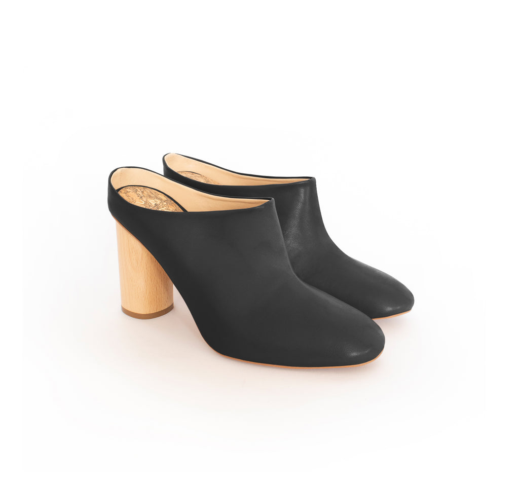 Mules in eco vegan leather, natural wood high heel.