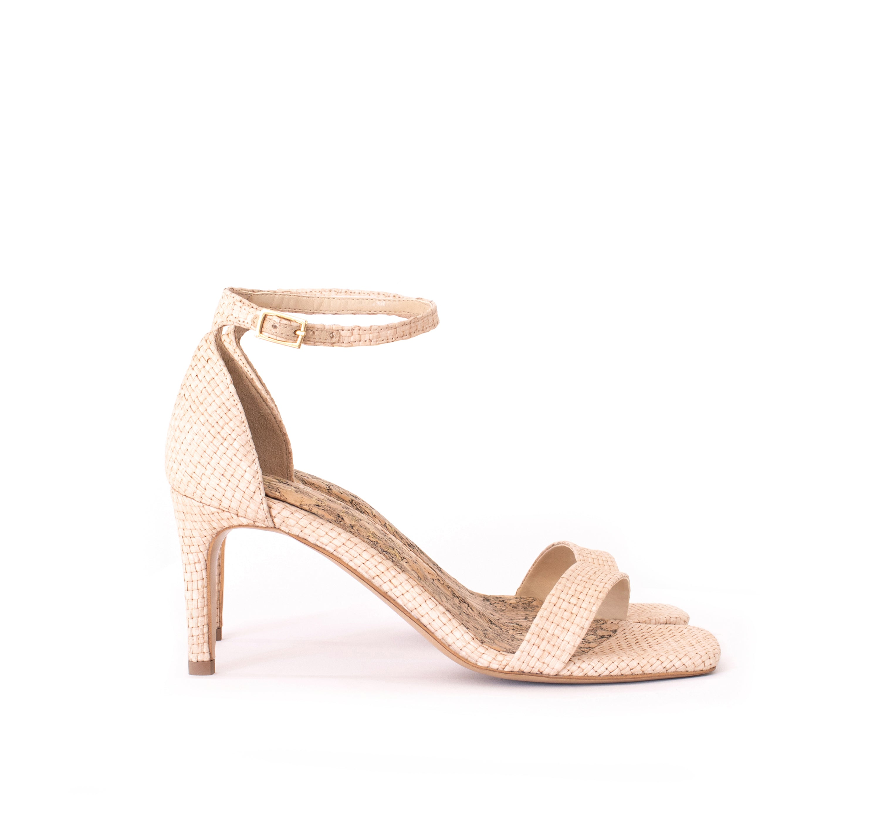 Low Stiletto in Natural Raffia. Vegan mid-heels made from recycled wood pulp. Autumn Winter 2019 by Sydney Brown . Luxury ethical shoes for women. Handmade in Portugal
