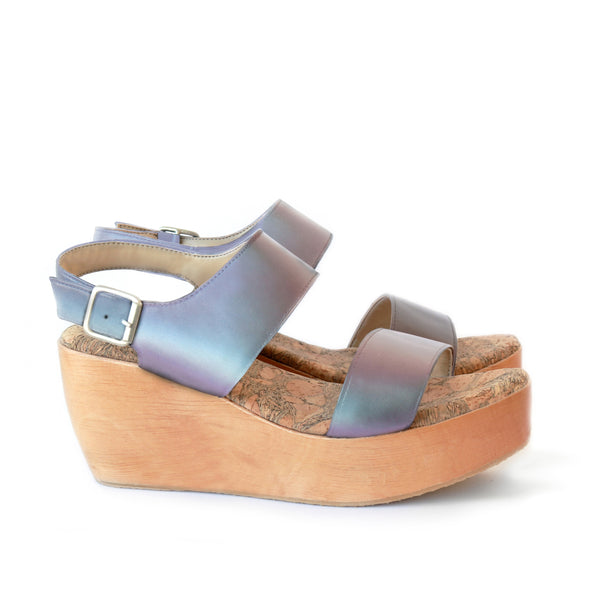 Platform Sandal in Matte Iridescent faux-nappa with a natural wood platform by Sydney Brown. Autumn Winter style. Ethical, Cruelty-Free, Sustainable. Handmade in Portugal