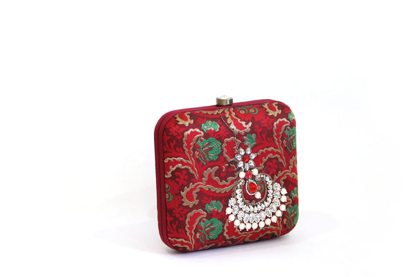 red jhumka clutch