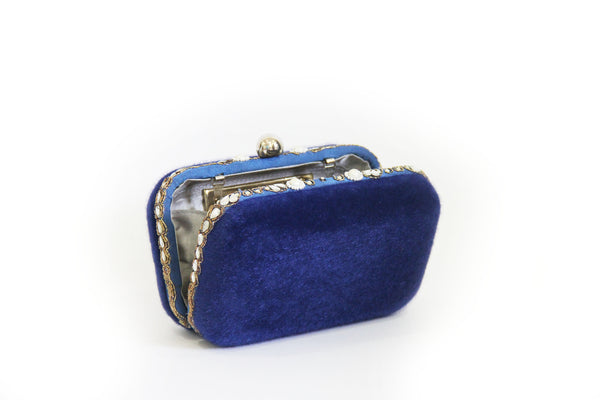 blue fur clutch
