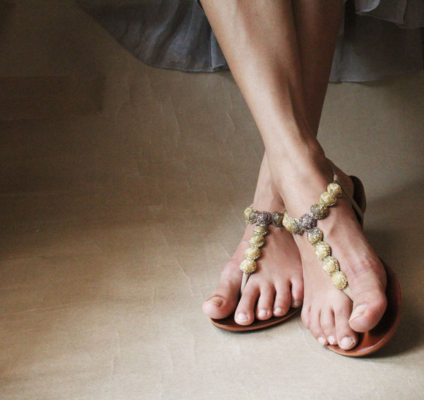 sea necklace sandal in nude and gold