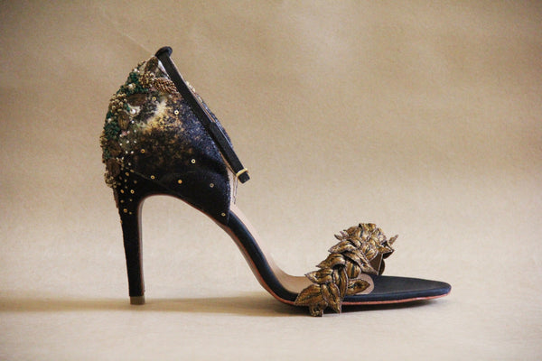 Black and Antique Gold Fallen Leaves Stiletto