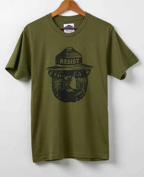 Smokey the Bear Resist - Men's T-Shirt