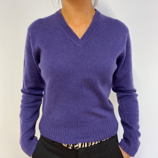 Johnston's of Elgin Scottish Cashmere Cropped V Neck Jumper Small