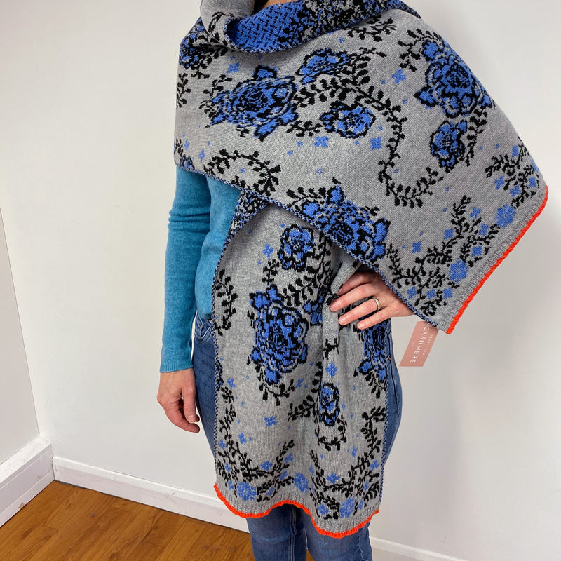 New* Fantastic Grey and Blue Floral Print Wrap