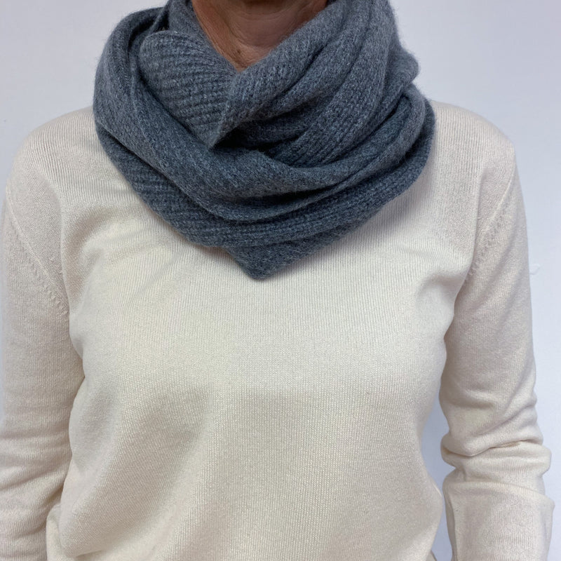 Wide Mid Grey Ribbed Knit Snood