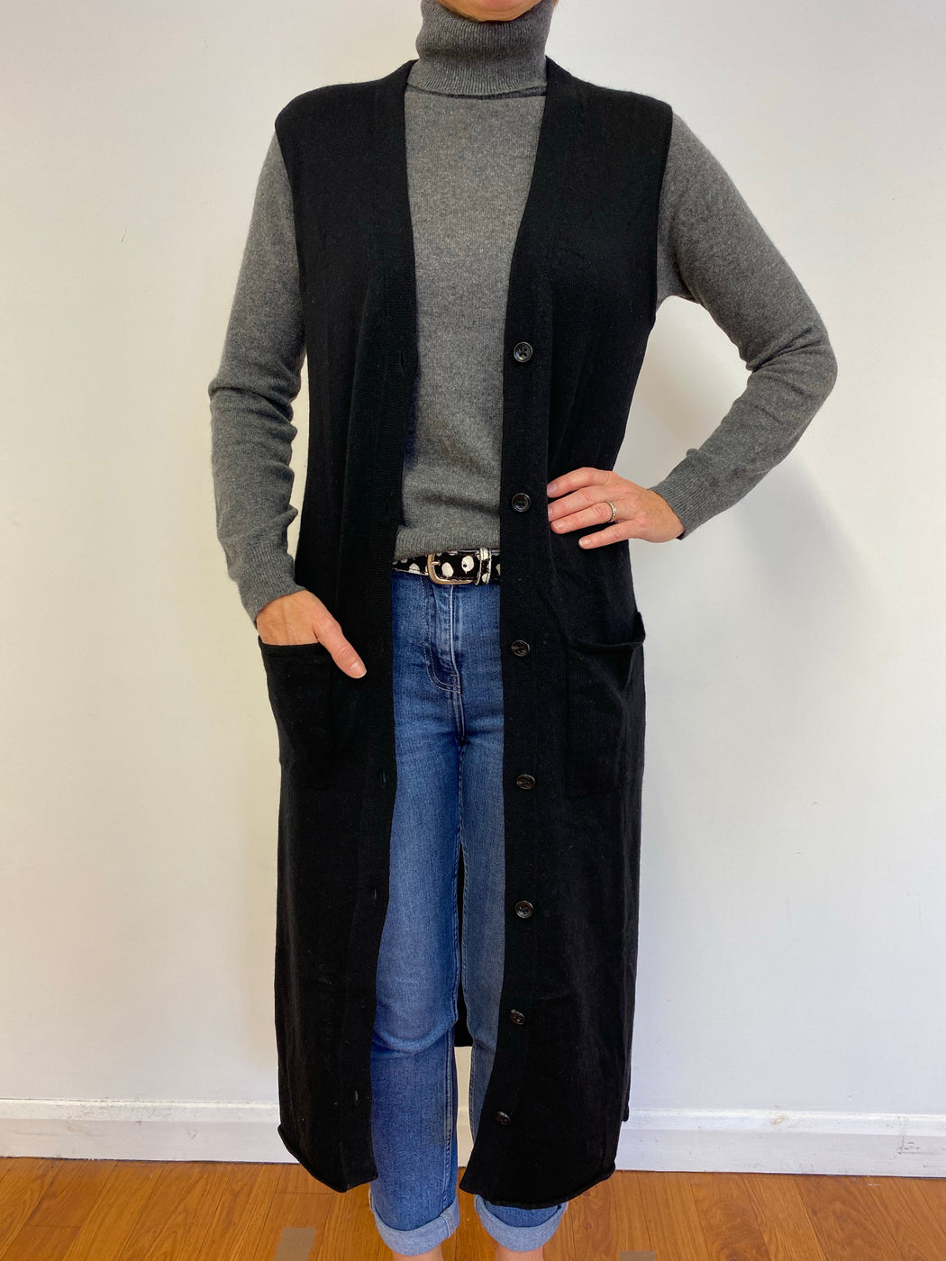 Super Black Long Sleeveless Coat Medium