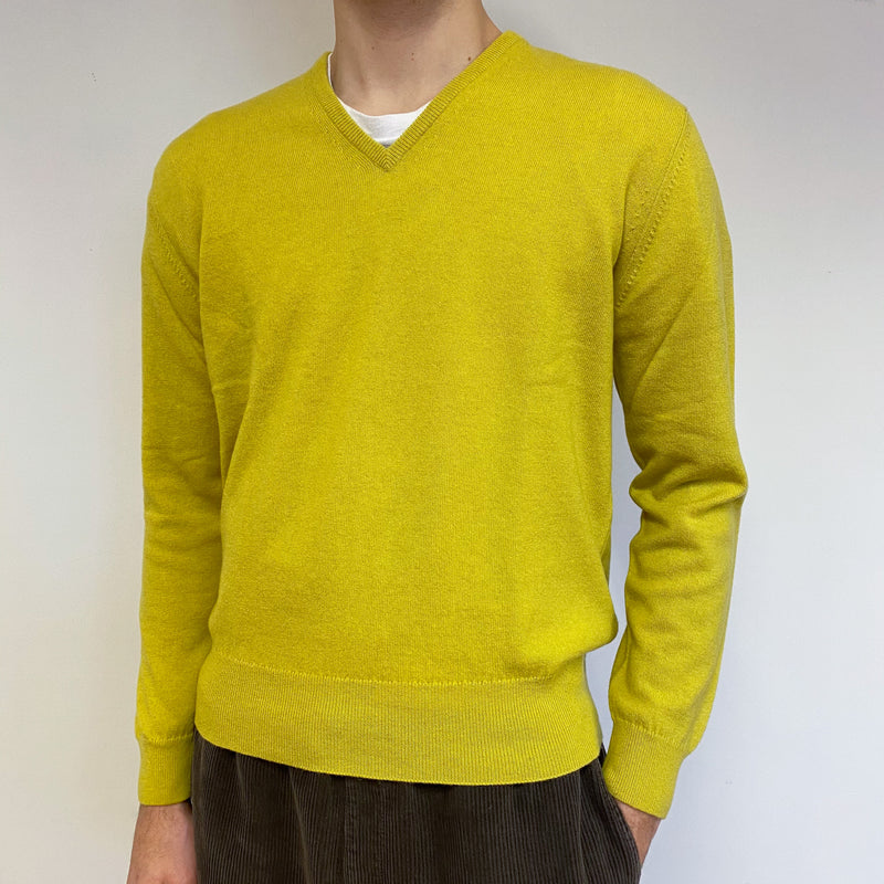 Men's Brand New Scottish Chartreuse V Neck Jumper