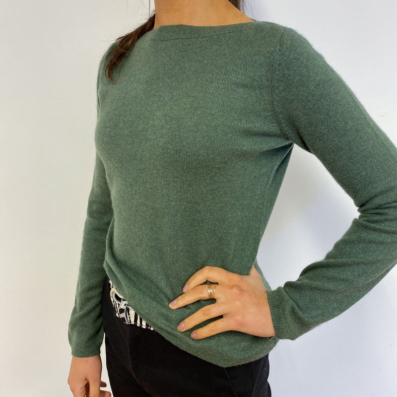 Stunning Olive Green Boat Neck Jumper Small