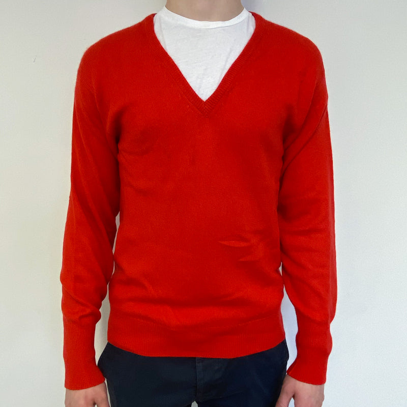 Men's Vinatge Spanish Red V Neck Jumper Small