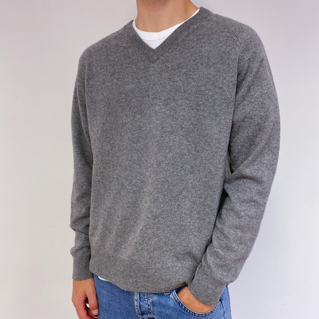 Men's Mid Grey V Neck Jumper Large