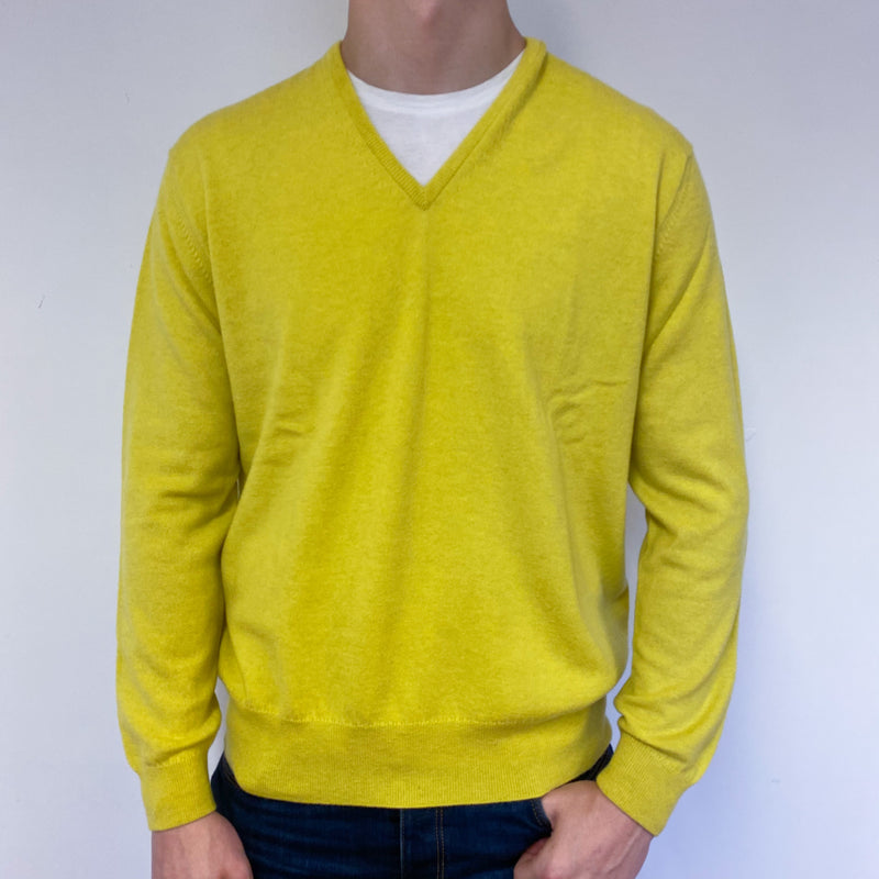 Men's Brand New Scottish Citrine Yellow V Neck Jumper