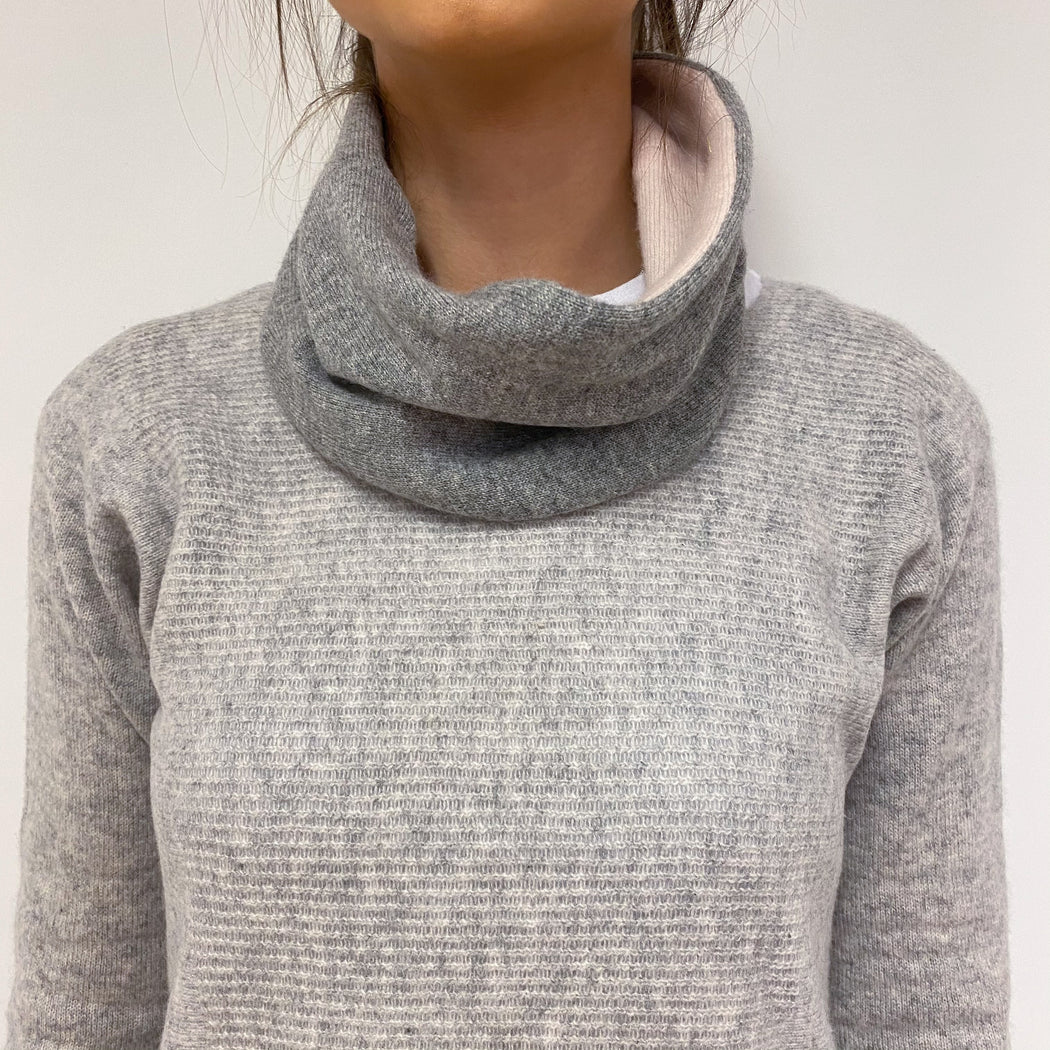 Reversible Pale Grey and Pink Neck Warmer