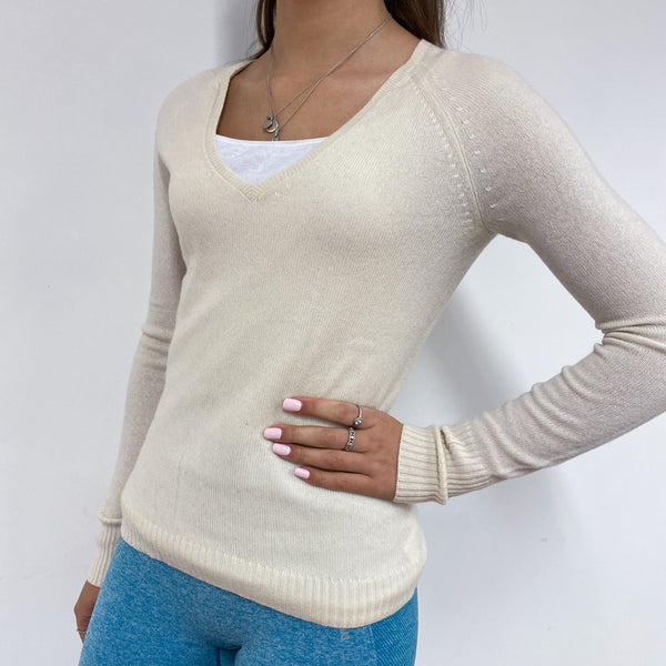 Winter White V-Neck Jumper Extra Small