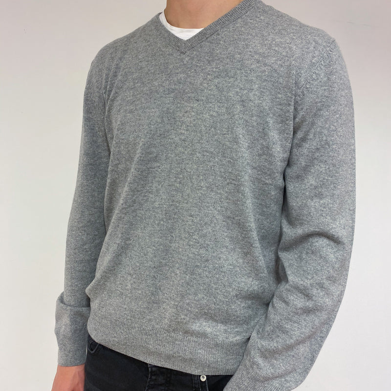 Men's Classic Grey V Neck Jumper Large