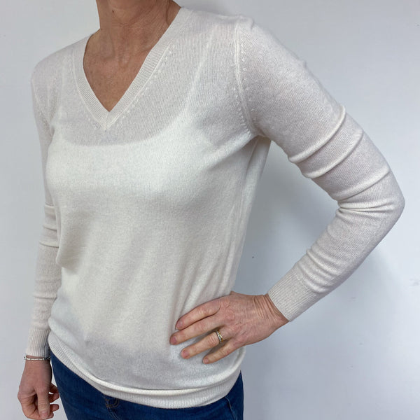 Winter White V Neck Jumper Medium