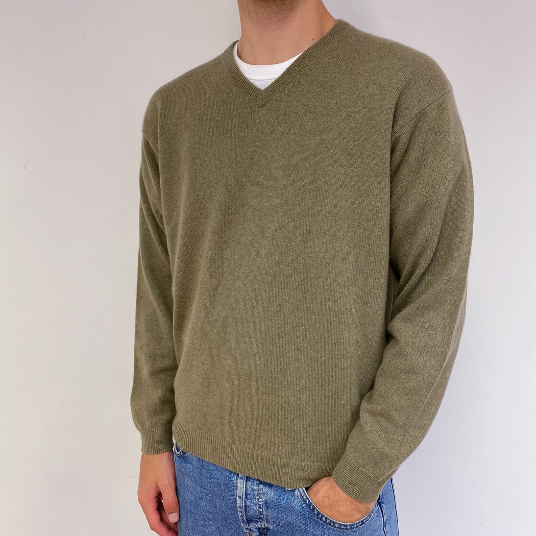 Men's Khaki Green V-Neck Jumper Large