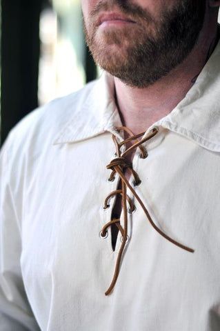 Made from 100% high quality cotton, this Peasant Shirt is a great addition for your kilt.