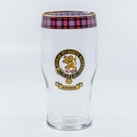 Brown Clan Crest Pint / Beer Glass | Scottish Shop