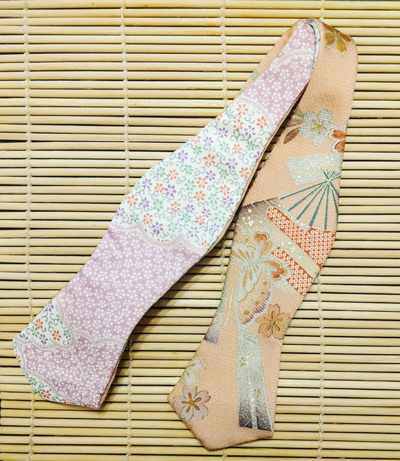 Diamond Cut Pink and Beige Sakura Petals Reversible Silk Kimono Bow Tie