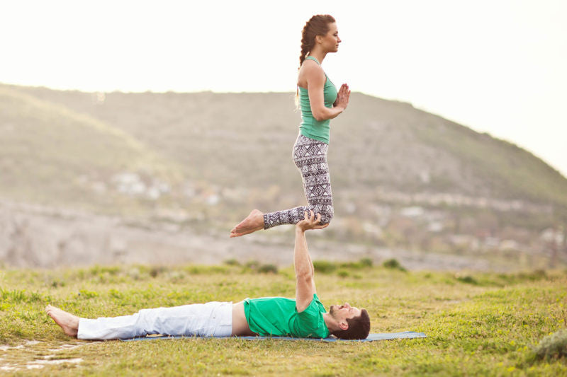 Couples Yoga: Tips for Starting + Sample Tandem Pose Sequence