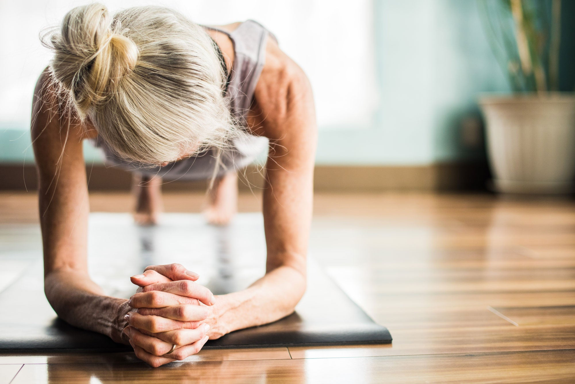 How to lose weight while exercising at home