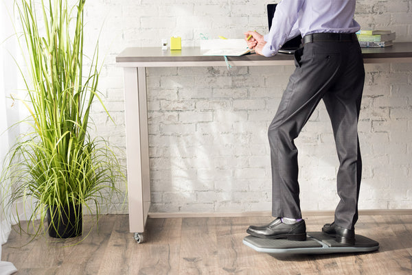 4 Benefits of Using a Balance Board with a Standing Desk