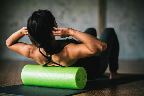 9 Foam Roller Dos and Don'ts - Gaiam