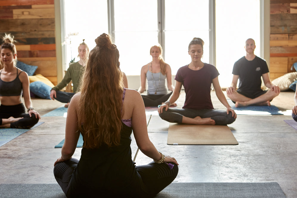 7 Teaching Tips Every Yoga Teacher Should Know Gaiam