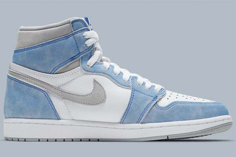 air-jordan-1-retro-high-og-hyper-royal-sneakers