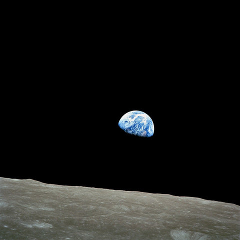 Earthrise (AS08-14-2383)