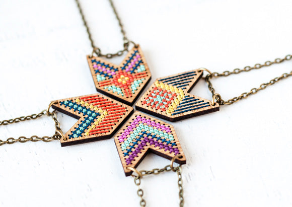 cross-stitch-jewelry-necklace-2