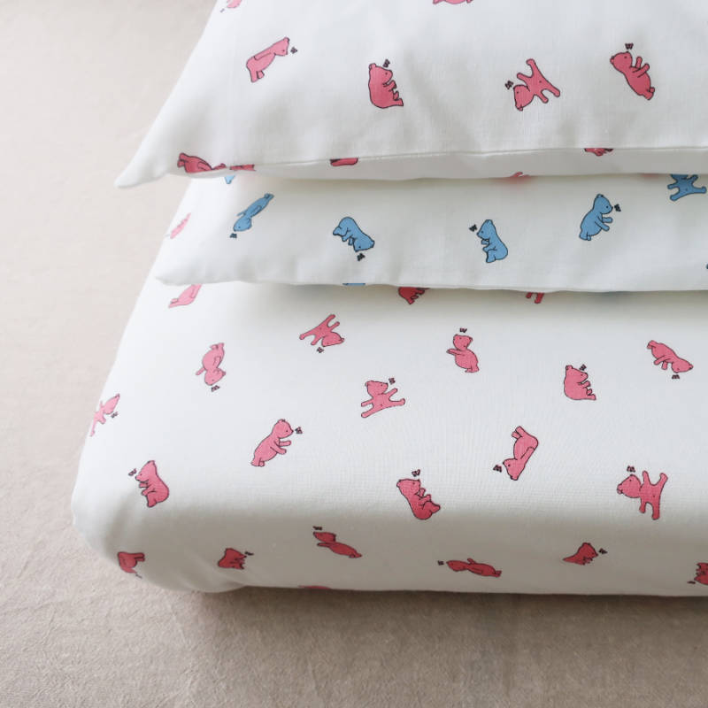 photo of a hand made fitted sheet and 2 pillowcases