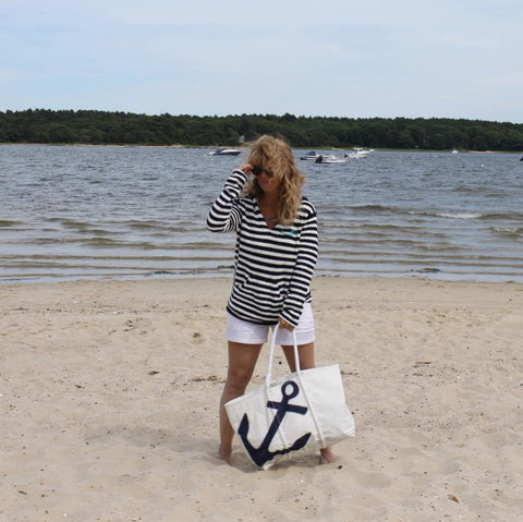 https://www.mermaidsoncapecod.com/products/fleece-striped-hoodie-a-beach-bag-essential